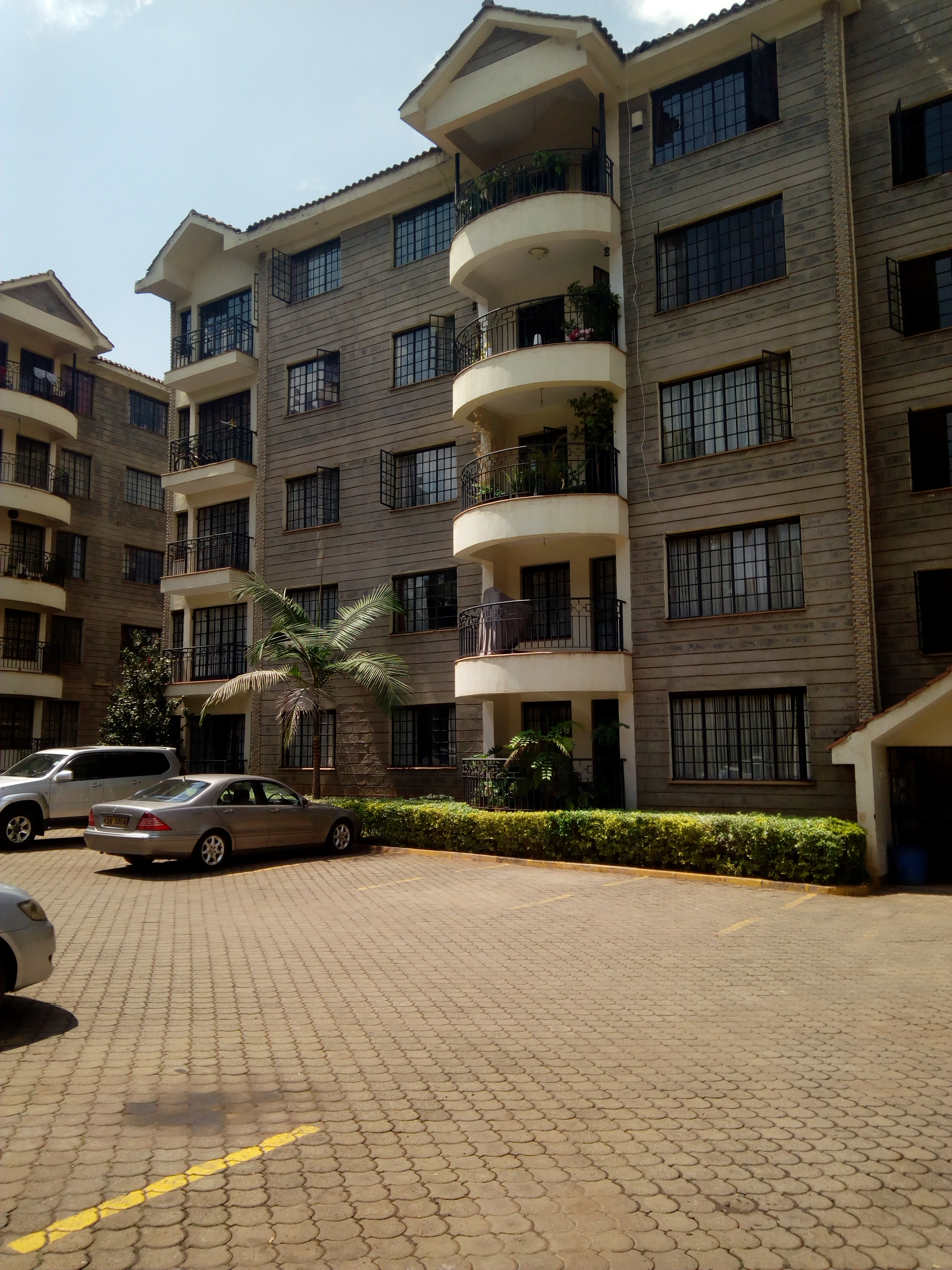 3-BEDROOM FULLY FURNISHED APARTMENT IN WESTLANDS